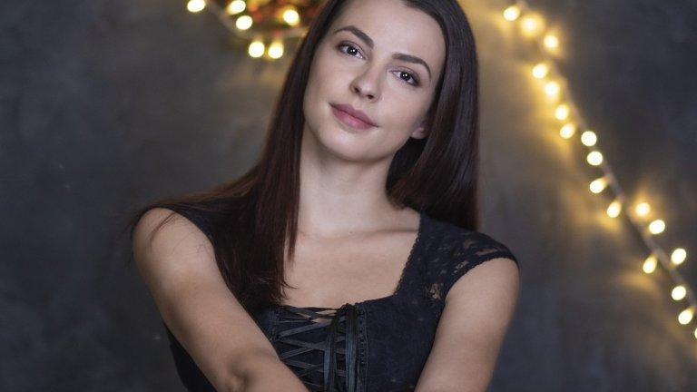 Актрисата Неда Спасова и Коледа с аромат на греяно вино и свещи