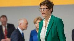Крамп-Каренбауер няма да се кандидатира за канцлер на следващите избори