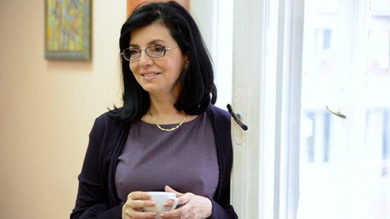 В съобщението на ДБГ в защита на Димитър Йотов липсва какъвто и да е коментар относно семейните обвързаности на новия председател на Комисията за защита на потребителите.
