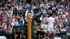 Деймиън Стайнър ще остане в историята като съдията от най-дългия финал на Уимбълдън, който продължи четири часа и 57 минути