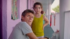 """1. Проектът Флорида  """"Щастлив филм за един нещастен свят"""". В него Уилям Дефо играе Боби, управител на мотела """"Магически замък"""". В него живеят само хора със сериозни финансови проблеми. Сред тях са и Хейли и нейната 6-годишна Мууни, който се опитват да се справят както могат с житейските несгоди, бедността и отчаянието. А добродушният Боби винаги е готов да помогне."""