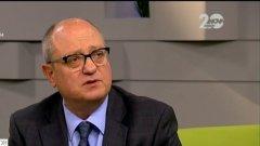 Образователният министър Тодор Танев заподозря, че има корупция при изписването на учебници