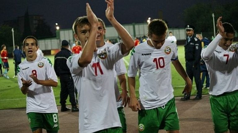 Чавдар Ивайлов (с номер 11) от Литекс отбеляза от фаул гола за престижната победа
