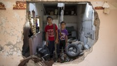 Близо 70% от убитите палестинци в Газа, в следствие на преминалата като буреносен облак война с Израел, са обикновени граждани, включително поне 501 деца