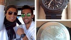 Роналдо обича да прави подаръци на съотборниците си.