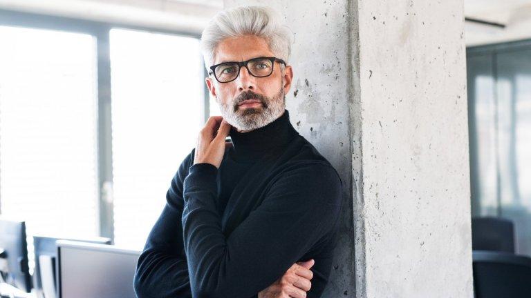 """За мъжете модата този сезон е на принципа """"за всекиго по нещо"""".  Затова в галерията ще видите осем мъжки тренда, които да имате предвид при следващия шопинг:"""