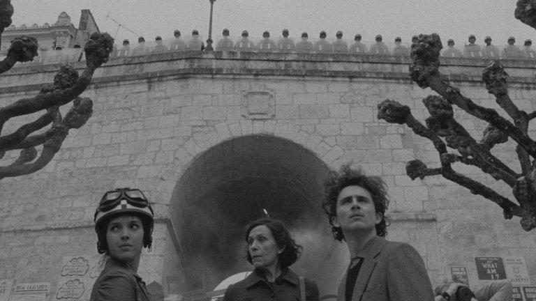 The French Dispatch ще разкаже три отделни истории, подготвени от репортерите на списанието. В ролите са актьори като Франсис Макдормънд и Тимъти Шаламе...