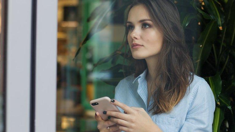 Скоро вече няма да ви се налага да ходите до офиса на мобилния оператор