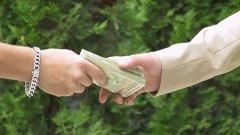 Срещу 1 млн. лева в банка за 5 г. срок всеки чужденец може да остане преспокойно в България