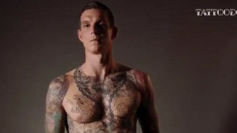 """Агер още е луд по """"червените"""", татуира си Ливърбърд"""