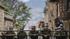 Бунтовниците в страната се въоръжават отново въпреки мира