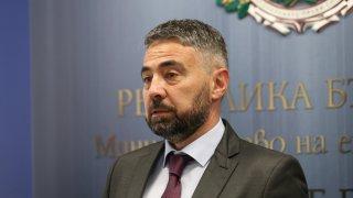 Според служебния енергиен министър липсват всякакви мерки по отношение на най-тежките проблеми в министерството