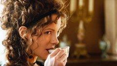Кейт Бекинсейл в Love & Friendship  Как играете сватовница от история на Джейн Остин, която не е романс? В комедията на Уит Стилман Бекинсейл го прави като превръща лейди Сюзън Върнън във възхитителна интригантка с остър език, която манипулира не само всички на екрана, но и самите зрители.