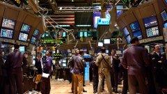 Основните борсови индекси понесоха сериозни спадове