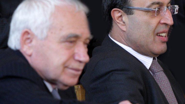 Бившите президенти Желю Желев и Петър Стоянов наблюдават церемонията в Народното събрание