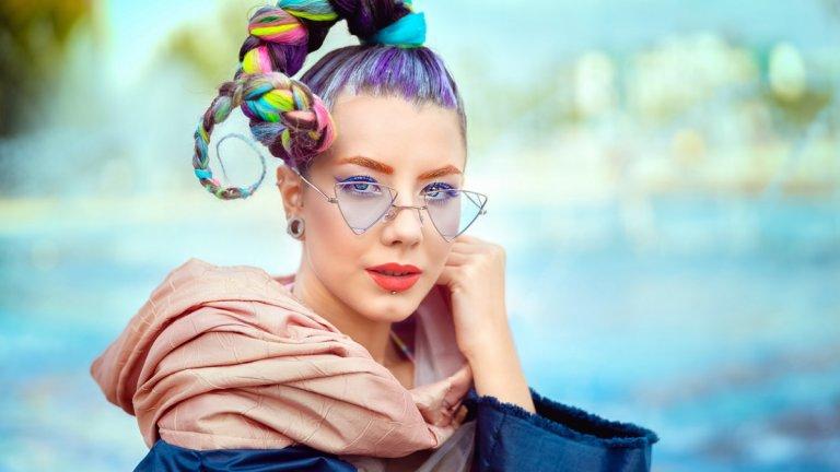Израснали с iPhone и социални мрежи, сега те диктуват модните течения