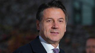 Италианският премиер Джузепе Конте подаде оставка