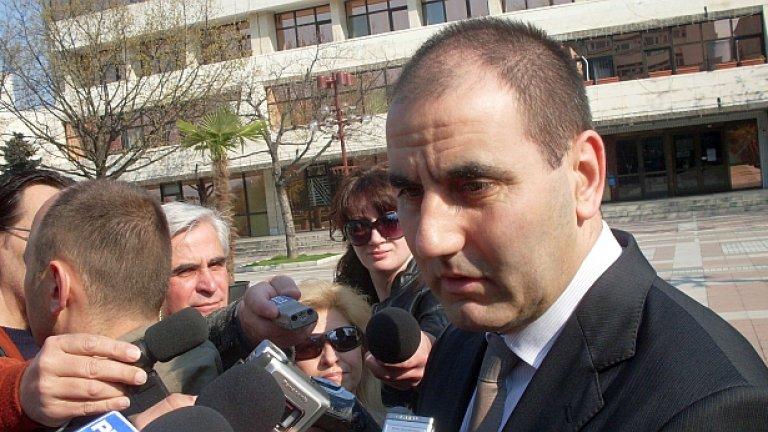 При специализирана полицейска операция в Перник е задържан заместник-окръжният прокурор Бисер Михайлов, съобщи министърът на вътрешните работи Цветан Цветанов
