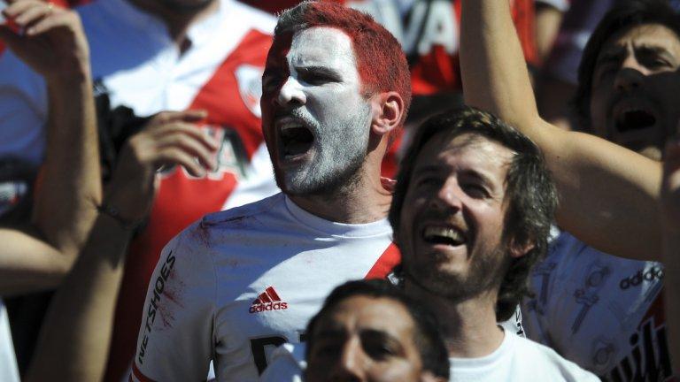 """""""Хулиганството в Аржентина не е просто от страст, но и за пари. Билетите се продават на невероятни цени."""""""