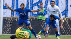 Неволите на Левски започнаха още с тази дузпа в 7-ата минута и продължиха до самия край