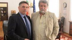 Двамата са обсъдили сътрудничеството в борбата с нелегалния трафик на културни ценности, фалшификатите и фалшивите новини