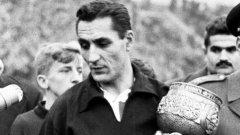 """Капитанът на Югославия Райко Митич си пука главата точно преди двубоя с Бразилия през 1950 г. на """"Маракана"""""""