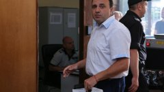 Радев, който е обвинен за присвояване на средства и подкуп, няма намерение да се кандидатира за нов мандат.