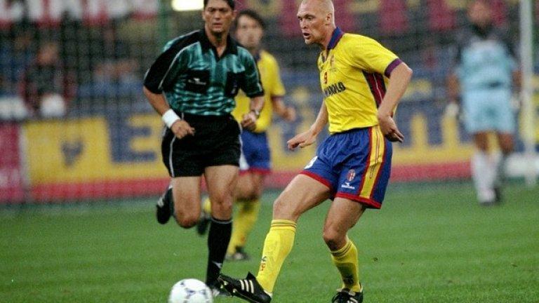 Клас Ингесон загуби битката с рака миналия октомври. След като спря с футбола, бившият полузащитник на Швеция и Шефийлд Юнайтед бе дървосекач.