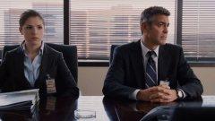 """Във филма """"Up in the air"""" Джордж Клуни играе човек, който пътува от компания в компания, за да съобщава на служителите лошата новина, че са уволнени. Има няколко неща, за които да се оглеждате на работното си място, за да не сте изненадани, ако се окажете в центъра на подобен разговор."""