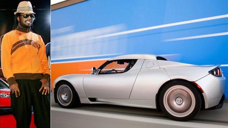 Will.i.am предпочита Tesla Roadster