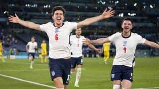 Англия се позабавлява в Рим и се връща на родна земя, за да осъществи мечтата
