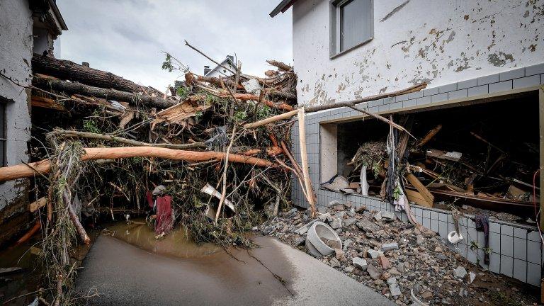 Над 1300 души са в неизвестност в Германия заради наводненията