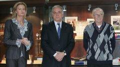 Президентът на БФВ Данчо Лазаров, който е спонсор и на волейболния Левски, твърди че няма да закрива отбора