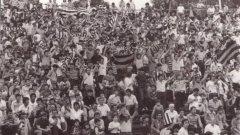 Такива бяхме ние – поколението, чиито първи десет години на трибуните бяха през 80-те. Стадионът беше нашият храм, футболът – нашата страст. И като че ли всичко беше доста по-истинско.