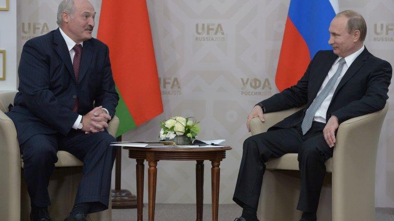 Путин ще подкрепи Лукашенко в конфликта му със Запада