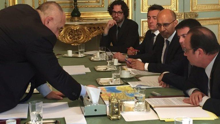 По думите на българския премиер, разговорите са били осново около енергийната диверсификация на България
