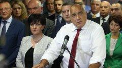 Премиерът излезе на извънреден брифинг, на който обяви изтеклите кадри за манипулация