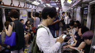 Пропастта между бедни и богати в Южна Корея буди гняв сред ощетените младежи от не толкова богати семейства