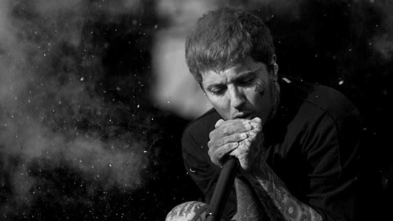 """Bring Me The Horizon – Post-Human  Британците готвят цели четири нови краткосвирещи албума през следващата година под общото име Post-Human. Те вече подгряха феновете за първия от тях с тежките синткор сингли Ludens и Parasite Eve. Впрочем Parasite Eve се появи съвсем скоро и за интрото си използва българската народна песен """"Ерген деда"""". Певецът Оливър Сайкс определя първото EP като състоящо се от """"бойни песни"""", но обещава тези след него да бъдат доста различни. Можем да очакваме всичко от поп през метъл до електронна музика.  Дата на излизане: 2021"""