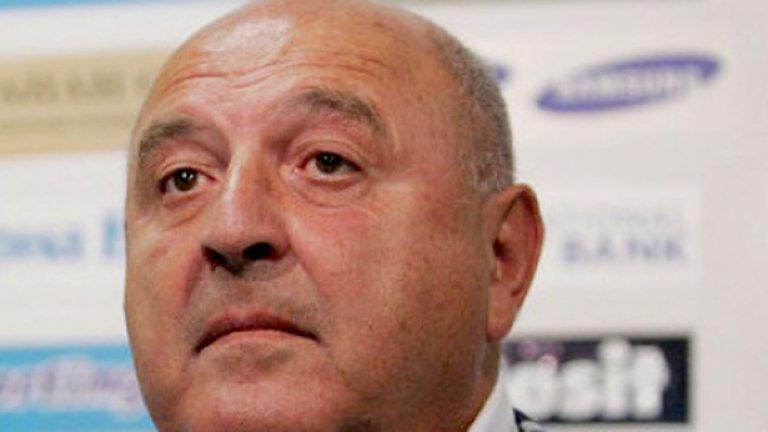 Ако циреят в българския футбол не се спука сега, той ще става все по-голям и болезнен, каза президентът на Славия