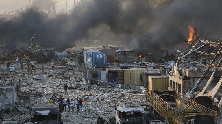 Ужасът в ливанската столица - смърт, разрушение и много мрачно бъдеще (Снимки)