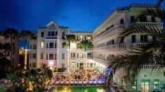 """Хотелът разполага с 52 бутикови стаи в стил """"арт деко"""" от 40-те години на миналия век, които предлага срещу 600 евро на нощ."""