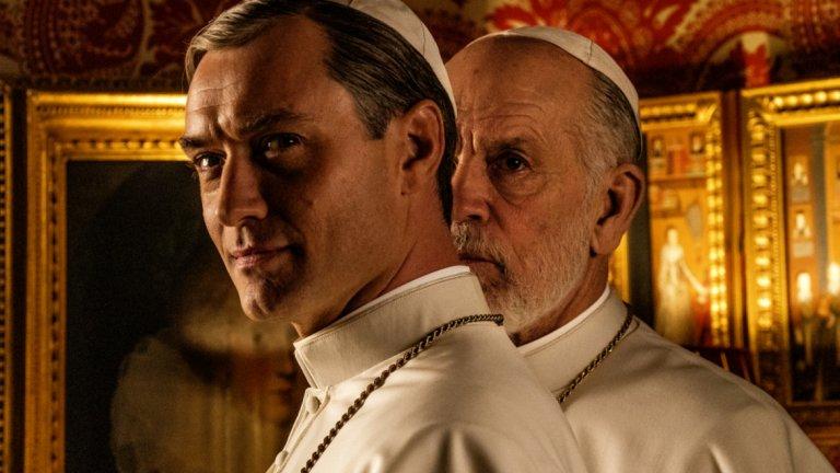 The New Pope  Фактически сериалът е продължение на The Young Pope, като сега Паоло Сорентино разказва за новия папа, който наследява Лени Белардо, след като той изпада в тежка и непробудна кома. Проблемът е, че Лени се събужда и светът е изправен пред двама папи.
