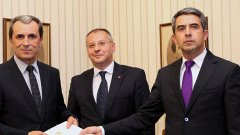 Лидерът на БСП Сергей Станишев се сопна на своите да не се заканват на президента Плевнелиев