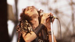 Музикални хроники: Рони Джеймс Дио - символът на хеви метъла, който ни напусна преди 10 години