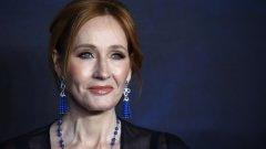 """Авторката на """"Хари Потър"""" с призив към доброволците в западните държави."""