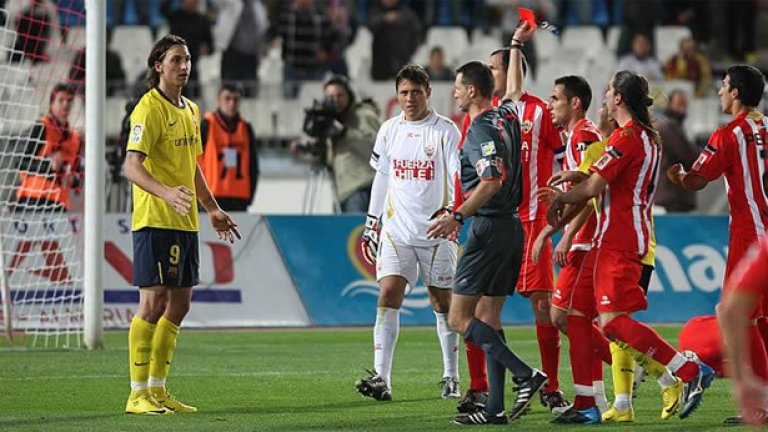 В антигерой за Барса се превърна Златан Ибрахимович, който си изкара глупав червен картон в 60-ата минута