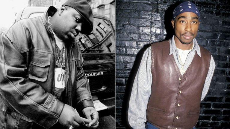 """2Pac срещу The Notorious B.I.G.  Може би най-легендарната вражда в историята на хип-хопа, сблъсъкът на Източния и Западния бряг, между стиловете в рапа, дори и между гангстерски групировки. Когато двамата се запознават през 1993 г. на снимачната площадка на """"Поетичната Джъстис"""", те си допадат изключително много. Скоро обаче това се променя, след като на 30 ноември 1994 г. 2Pac е ограбен пред звукозаписно студио и е прострелян 5 пъти. Той изразява съмнения, че Биги, който му се брои приятел, вероятно е знаел за нападението. Тези му подозрения се засилват и с излизането на песента """"Who Shot Ya?"""" на The Notorious B.I.G. месеци по-късно, която осмива инцидента. И въпреки че според Биги песента е писана преди инцидента, Тупак я приема като признание за вина.   През октомври 1995 г. Тупак подписва с Death Row Records, които са във вражда с лейбъла на The Notorious B.I.G. - Bad Boy Records. Това подпалва искрите на рап войната между двете крайбрежия. Тупак многократно напада Биги в песните и интервютата си, а The Notorious B.I.G. по-скоро се сдържа от коментари. Двамата така и не успяват да възстановят отношенията си до смъртта на 2pac през септември 1996 г."""