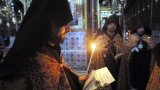 6-седмично момченце загина, непосредствено като беше кръстено в православната вяра, а сега много хора в северната ни съседка са вдигнали мерника на Църквата и самия ритуал по въвеждането във вярата
