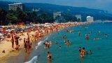 За безплатни чадъри и шезлонги за почиващите настояват от туристическия отрасъл